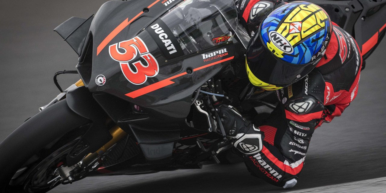 Tito Rabat debuta en la Ducati Panigale V4 R del Barni Racing Team