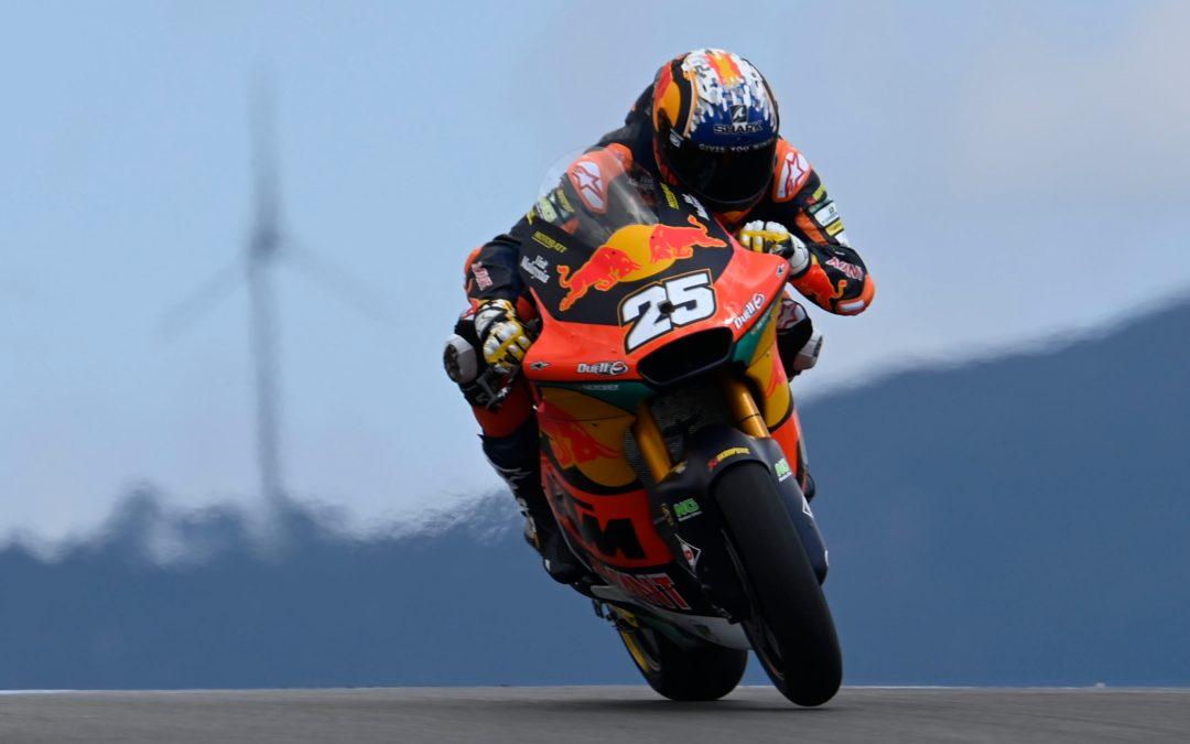 Raúl Fernández se estrena en victorias en Moto2 en su tercera carrera
