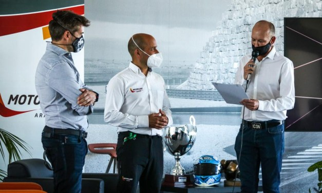 Carlos Checa: El genio de la curva 3 regresa a MotorLand Aragón en el décimo aniversario de su victoria.