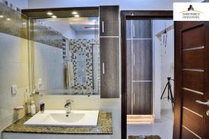 1 kanal bathroom tiles
