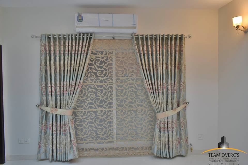 Curtains And Its Different Types Of Top Hooks And Loops