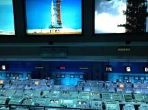 Kontrollcenter mit Originalkonsolen