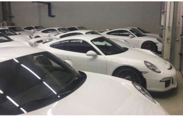 18 Never-Driven 2015 Porsche 911 GT3s