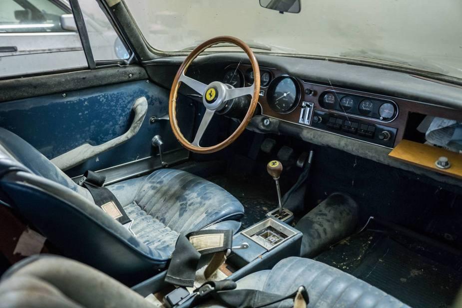 1966 Ferrari GTB 2 interior