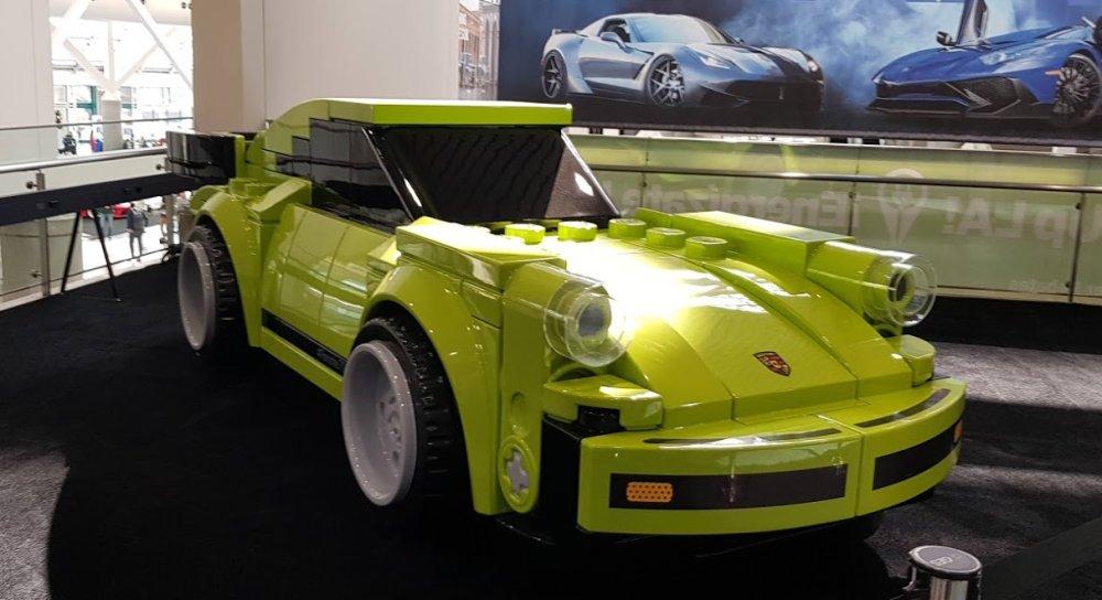 Lego Porsche 911 Turbo 3.0 Front Wide