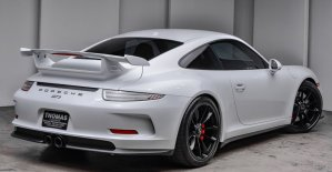 2015 Porsche 911 GT3 Carrera White Rear Corner