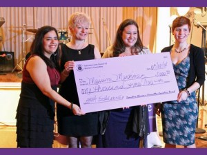 featured_womens-committee-scholarship