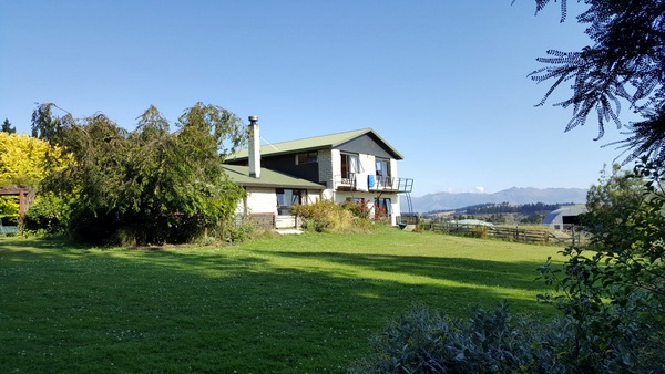 Te Anau Homestay House from Garden