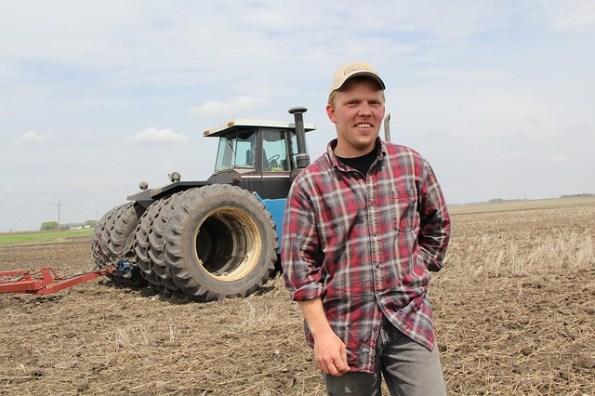 farmer-826912_640