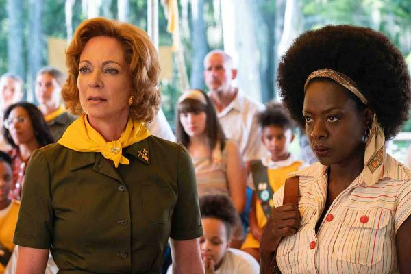 Allison Janney And Viola Davis in the movie Troop Zero (2019)