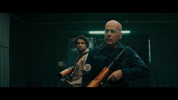 Breach Movie 2020 - Bruce Willis