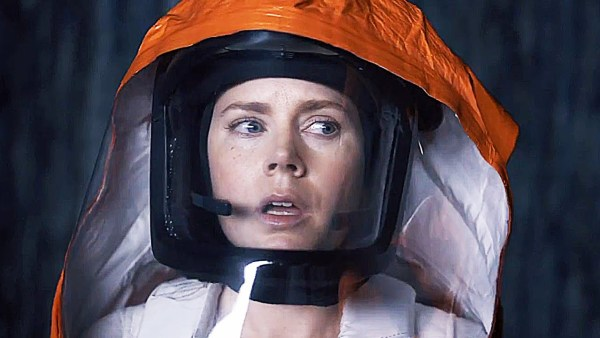Arrival starring Amy Adams - First Contact Movie
