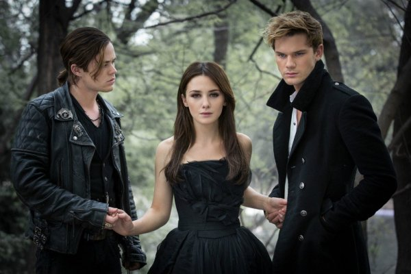 Fallen Movie - First look