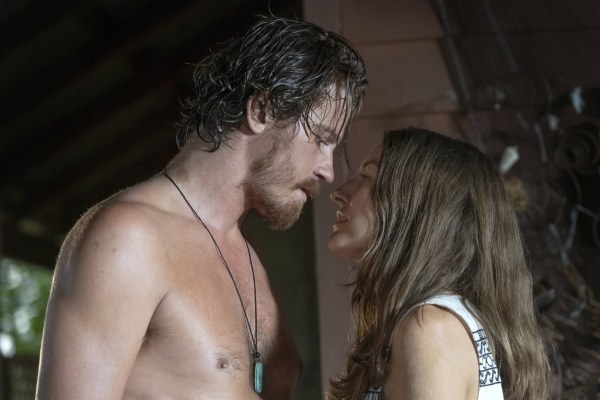 Garrett Hedlund And Kelly Macdonald Dirt Music Movie