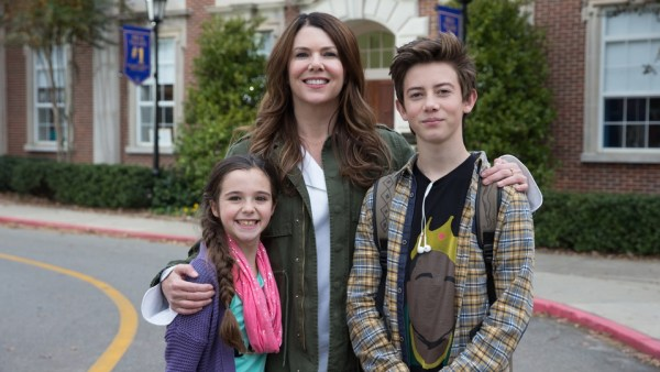 Georgia (Alexa Nisenson, left), Jules (Lauren Graham) and Rafe Khatchadorian (Griffin Gluck) - Middle School movie