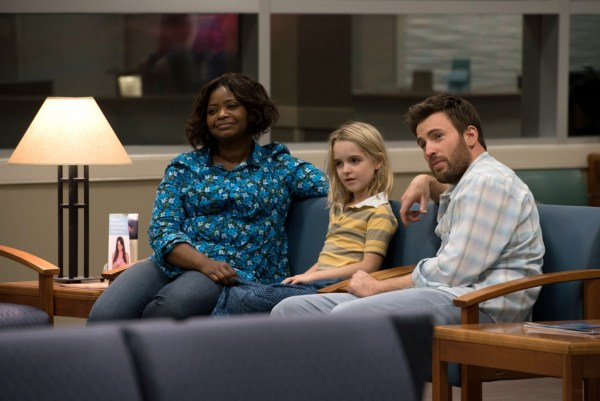 Gifted 2017 -  (From L-R): Octavia Spencer as Roberta Taylor, McKenna Grace as Mary Adler and Chris Evans as Frank Adler in the film GIFTED.