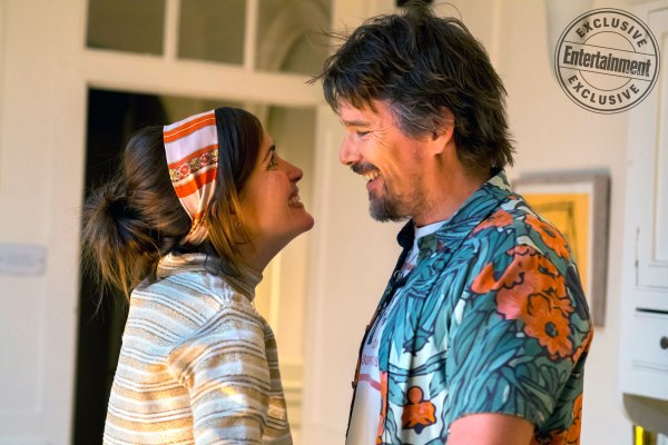 Juliet Naked - Rose Byrne and Ethan Hawke