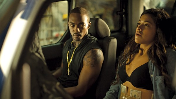 Anthony Mackie  and Gina Rodríguez in MISS BALA.