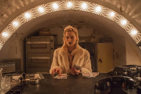 Margot Robbie in the movie Terminal (2018)
