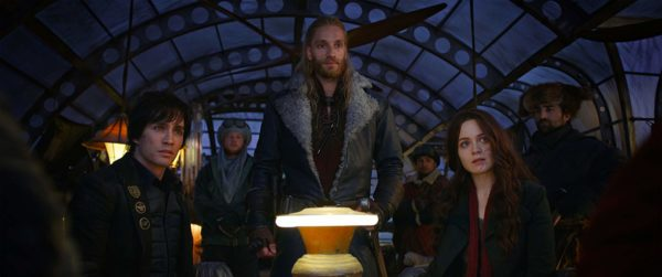 Robert Sheehan, Hera Hilmar, And Leifur Sigurdarson in the movie Mortal Engines.