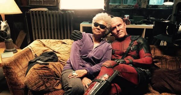 Ryan Reynolds And Leslie Uggams In Deadpool 2 Deadpool 2