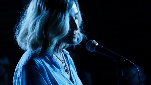 Sarah Jessica Parker - Blue Night Movie - Vivienne (Sarah Jessica Parker) performs at a jazz club in BLUE NIGHT