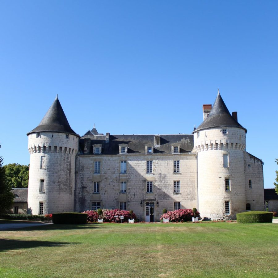 Spend a few days in the idyllic town of Chinon in the Loire Valley- its the perfect way to relax!!   Teaspoon of Nose