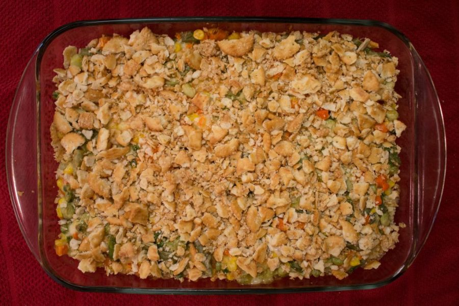Planning your Thanksgiving dinner and need an effortless side dish? This Thanksgiving vegetable casserole is tasty enough for the holidays and easy enough to be a potluck dish! | Teaspoon of Nose