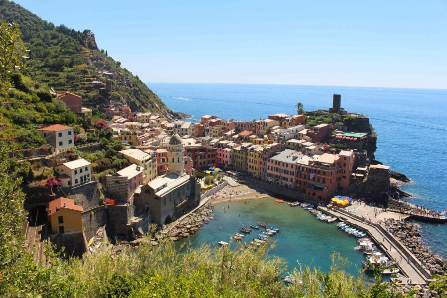 Where the mountains meet the ocean: a guide to Cinque Terre! | Teaspoon of Nose