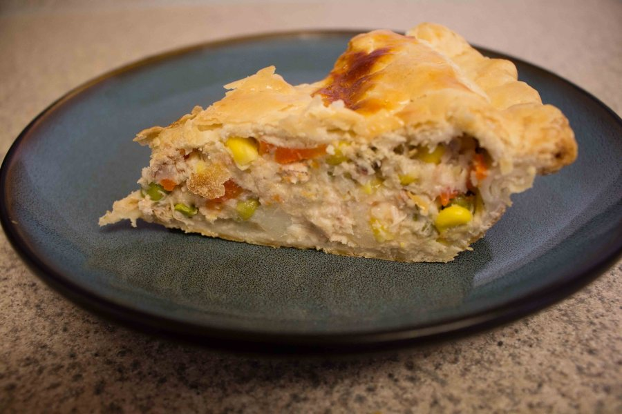 This chicken pot pie hits the spot for hearty, warming comfort food! | Teaspoon of Nose