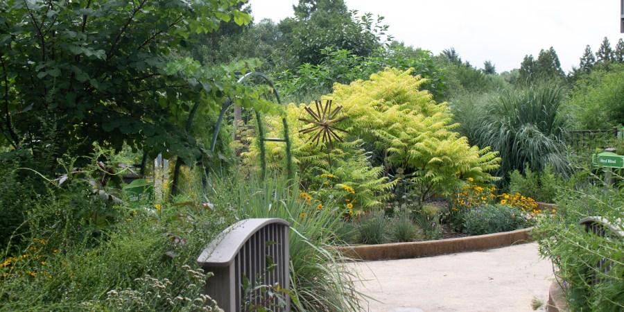 The Richmond Botanical Gardens makes the perfect kid-friendly summer day that's fun for the grown ups too!   Teaspoon of Nose