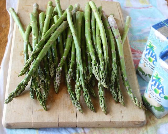 Coconut Ginger Braised Asparagus | teaspooncomm.com/teaspoonofspice/
