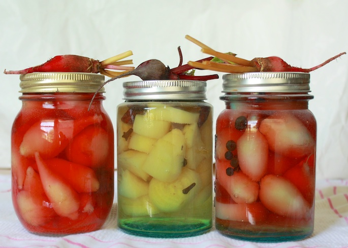 Pickled Candy Cane Beets | Teaspoonofspice.com