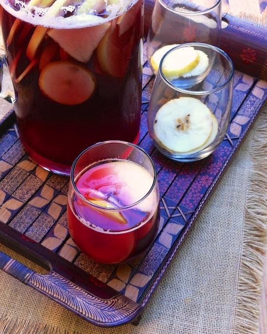 Apple Gingersnap Sangria | Teaspoonofspice.com
