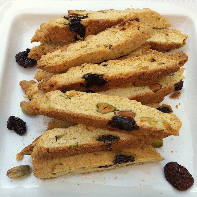 Holiday Pistachio Cherry Biscotti | Teaspoonofspice.com