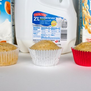 Almond milk, rice milk or dairy milk: WHICH BAKES THE BEST MUFFIN? | @TspCurry - For more healthy recipes: TeaspoonOfSpice.com