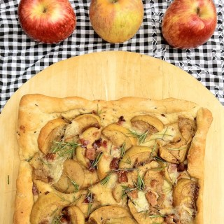 Apple Brie & Bacon Foccacia | Teaspoonofspice.com