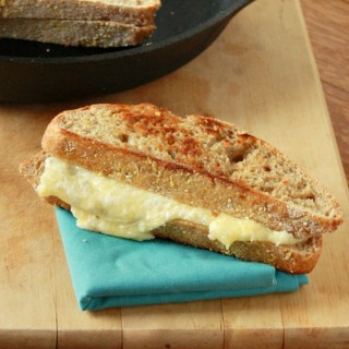 How to Make Healthier Grilled Cheese