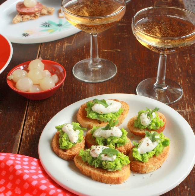 Sweet Pea Crostini appetizer