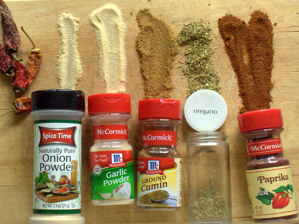 How to Make Homemade Chili Powder | @TspCurry