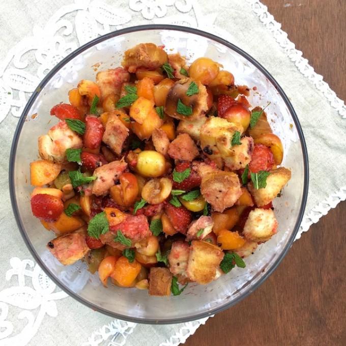Kick off the summer fruit season withthis Honey Panzanella Fruit Salad. Recipe at Teaspoonofspice.com #honey #panzanella #fruitcup #fruitsalad #summer #dessert