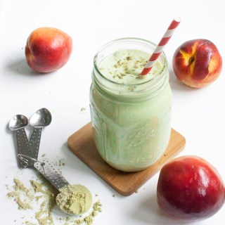 Calm + stimulate your brain: PERFECT PEACH MATCHA PROTEIN SHAKE