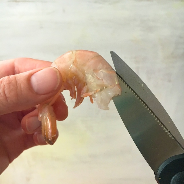 Healthy Kitchen Hacks -Easy Way to Peel and Devein Shrimp