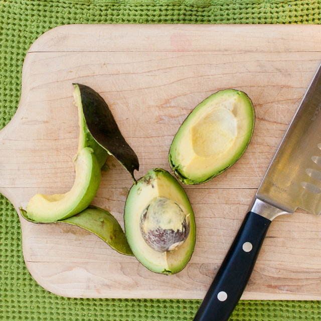 Don't get hurt! Use this easy hack to cut an avocado safely: HOW TO PIT AN AVOCADO | @tspcurry