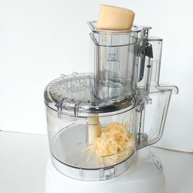 Healthy Kitchen Hack: EASILY CLEAN YOUR FOOD PROCESSOR | @TspCurry For more #HealthyKitchenHacks - TeaspoonOfSpice.com