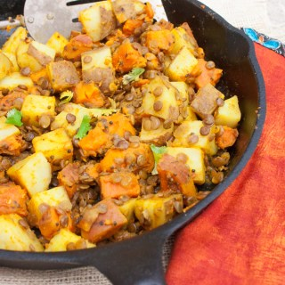 Easy to make and waaaay better than take-out: CURRIED POTATOES WITH LENTILS | @Tspcurry - For more healthy recipes: TeaspoonOfSpice.com