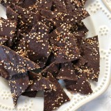 You only need 3 ingredients and 20 minutes to make this yummy, better-for-you, quinoa dark chocolate bark - makes a great holiday gift! Recipe at Teaspoonofspice.com