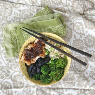 California prunes are the star ingredient in a sweet and savory sauce for this Asian-style chicken, broccoli and rice bowl.