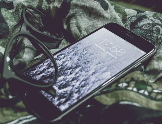 asocial, afhængig af mobiltelefonen