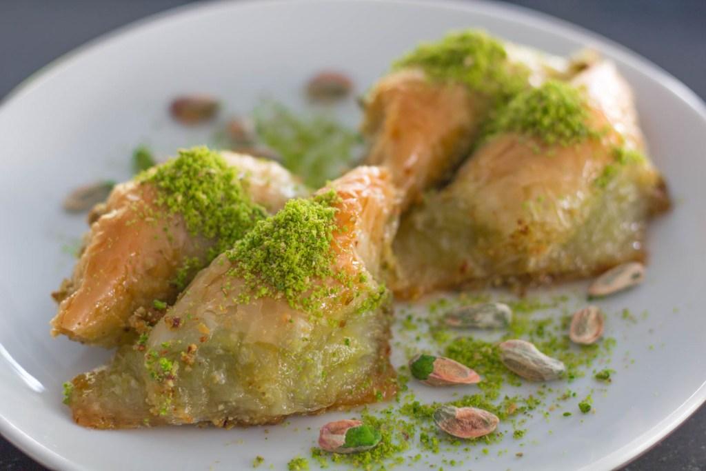 tyrkiske desserter, baklava, tyrkiske retter, tyrkiske desserter du skal smage, smag disse tyrkiske desserter